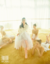 张天爱再登大刊封面 轻盈灵动享受芭蕾艺术